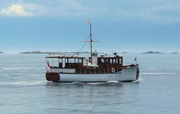 Heading to Victoria for the 2009 Classic Boat Festival: [Rick Etsell photo]